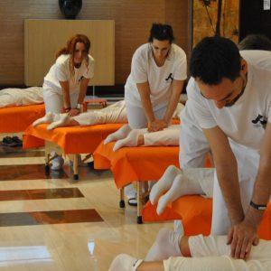 Conocerás la técnica correcta para desenvolverte con Shiatsu a nivel de reequilibrio corporal, drenaje, relajación del paciente, alivio y eliminación de contracturas musculares